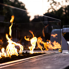 streetlight-red-wine-display-by-fire-pit-outdoors_1